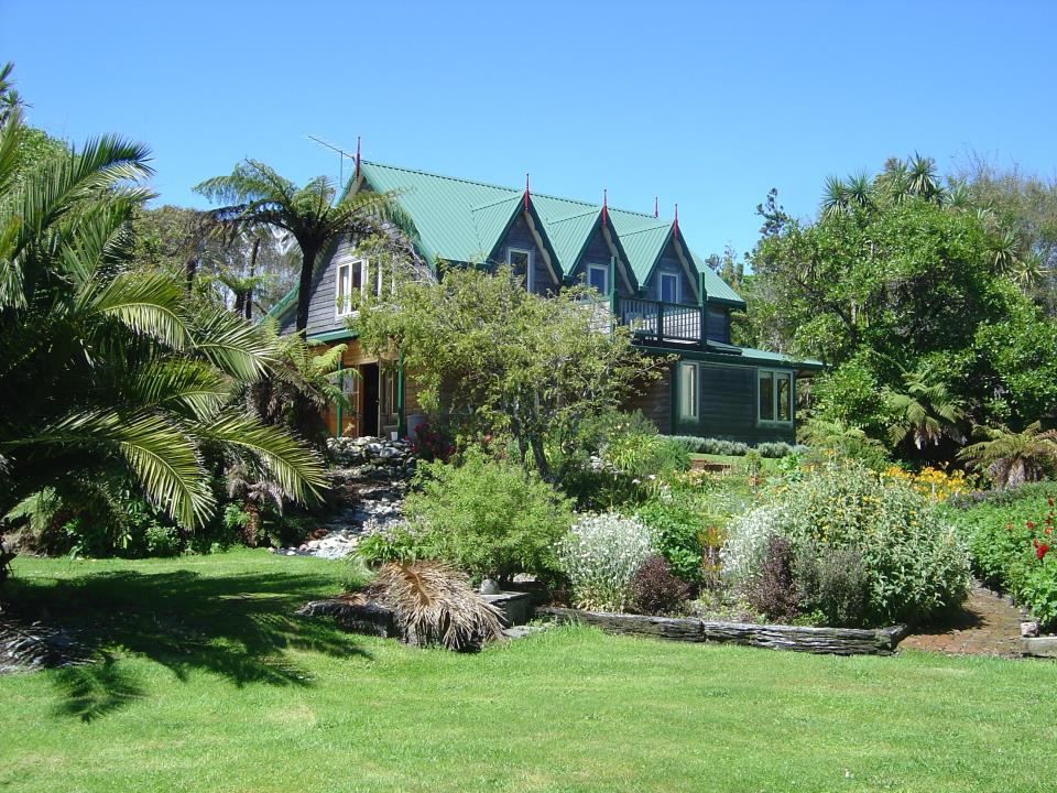 Awatuna Homestead and grounds